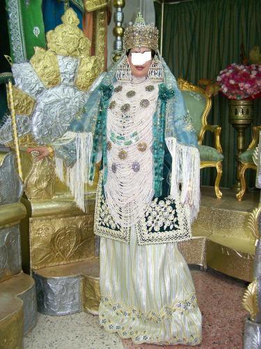اللباس التقليدي الجزائري Big.105987826